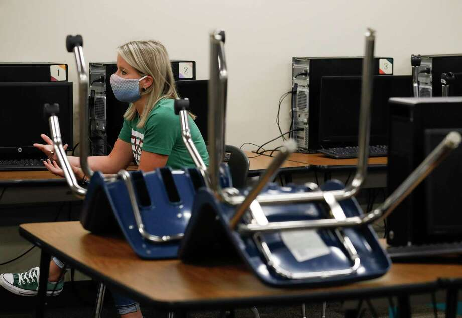 Kendra Meyers, a business and marketing teacher, speaks about finishing the school year using remote learning at The Woodlands High School, Tuesday, May 12, 2020, in The Woodlands. Photo: Jason Fochtman, Houston Chronicle / Staff Photographer / 2020 © Houston Chronicle