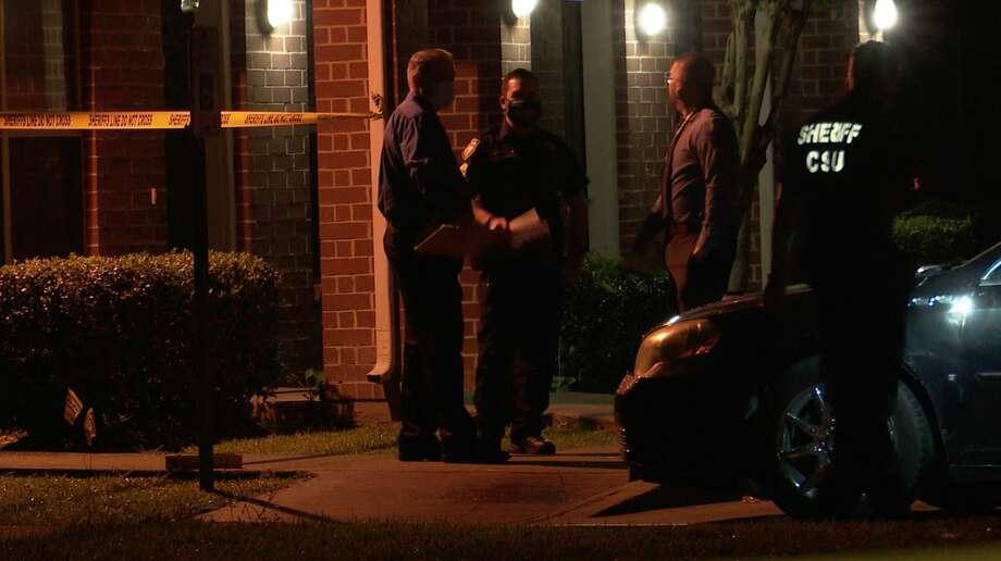 Harris County sheriff's deputies investigate a deadly shooting in the 5300 block of Aeropark Drive on Tuesday, May 13, 2020. Photo: OnScene.TV