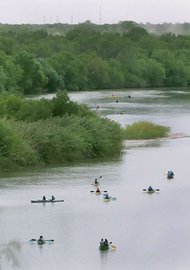 More than 70 people and one dog participated the 3rd Community Paddle on the River Saturday, October 12, 2019. Part of the 25th Annual Dia del Rio celebration, the event, hosted by the Rio Grande International Study Center with Councilman George Altgelt providing a light brunch at the Max Golf Course from which the group launched before finishing at the El Pico Water Treatment Plant. Photo: Cuate Santos / Laredo Morning Times / Laredo Morning Times