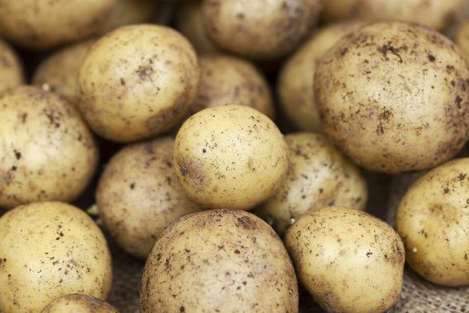 Washington farmers to give away 200,000 pounds of potatoes to those in need on THursday. Photo: Mikroman6 Via Getty Images / ©2014-2018 Tomasz Skoczen