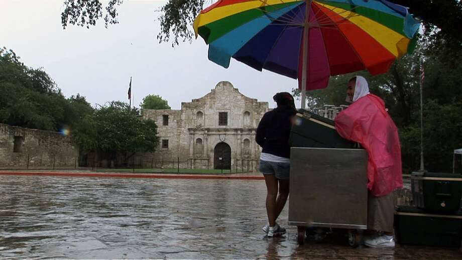 The first round of storms to hit San Antonio this week caused some power outages and flooding Tuesday. Photo: Express-News File Photo / agrant@express-news.net