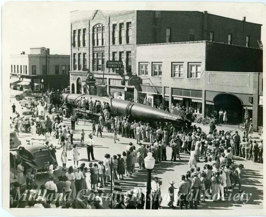 Japanese submarine on Main Street. (Midland County Historical Society)