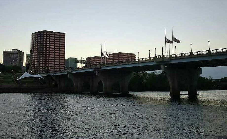 The body of man, who police said jumped from the Founder's Bridge in Hartford last month, has been found in Portland, about 10 miles downstream in the Connecticut River. Photo: Shay, Jim