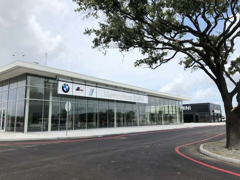 Momentum BMW MINI at 9570 Southwest Freeway