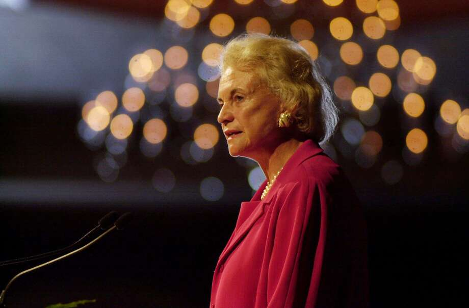 Supreme Court Justice Sandra Day O'Connor speaks at the annual meeting of the Minnesota Women Lawyers, July 2, 2001, in Minneapolis. Photo: David Brewster / AP / MINNEAPOLIS STAR TRIBUNE