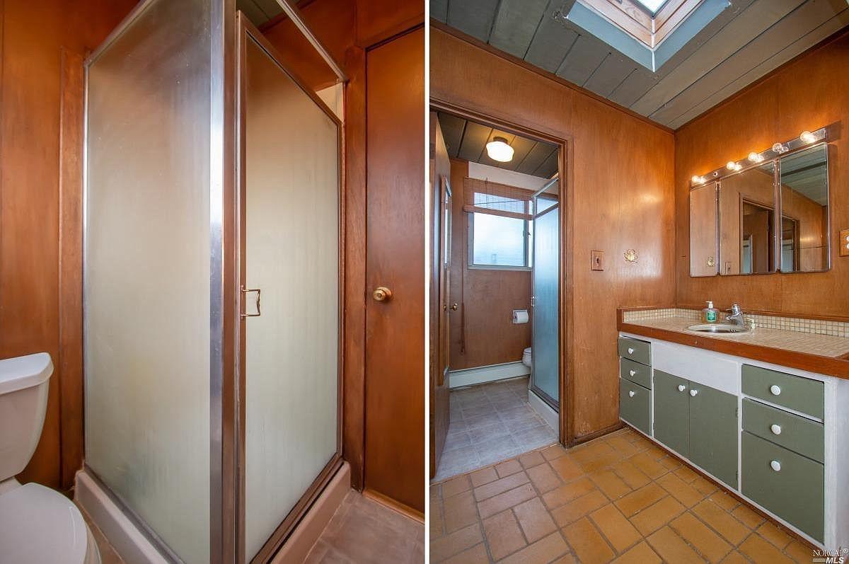 Before: The original master bathroom