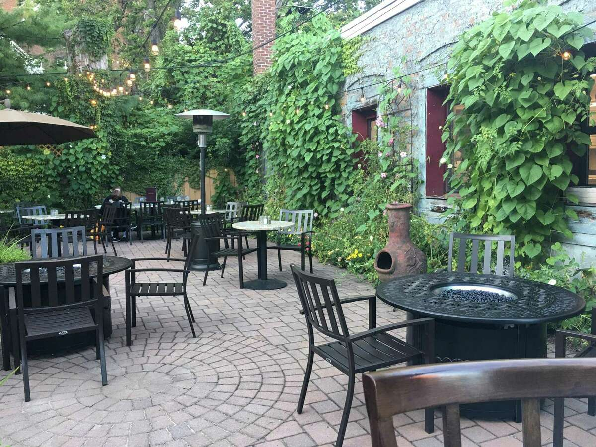 The patio at Consiglio's on Wooster Street in New Haven.