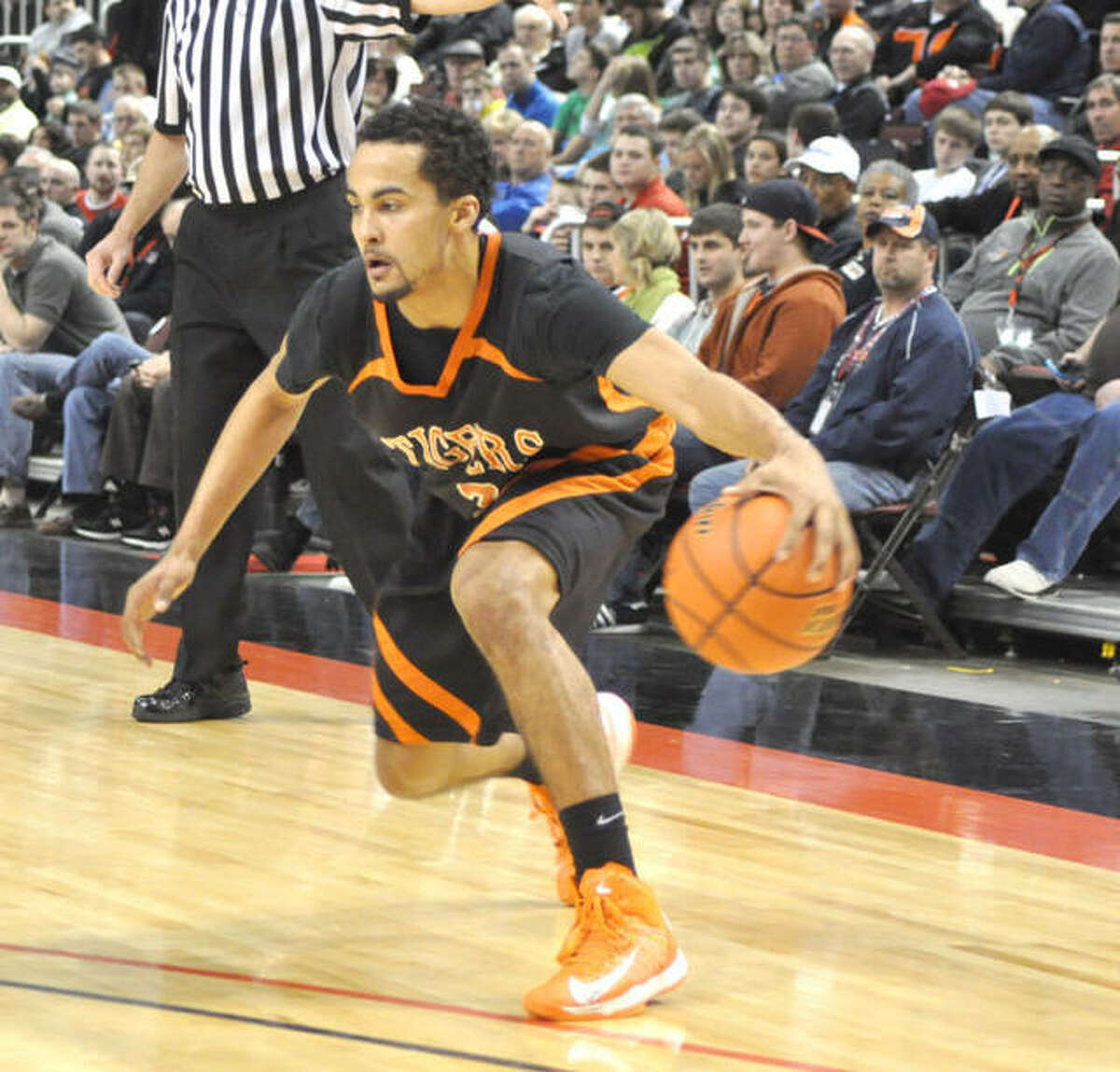 At the time of his graduation, only three players scored more points than Tre Harris. His 1,387 points sat behind Greg Ahart (1,812), Paul Schaefer (1,482) and Mannie Jackson (1,441) on the program's career leaderboard.
