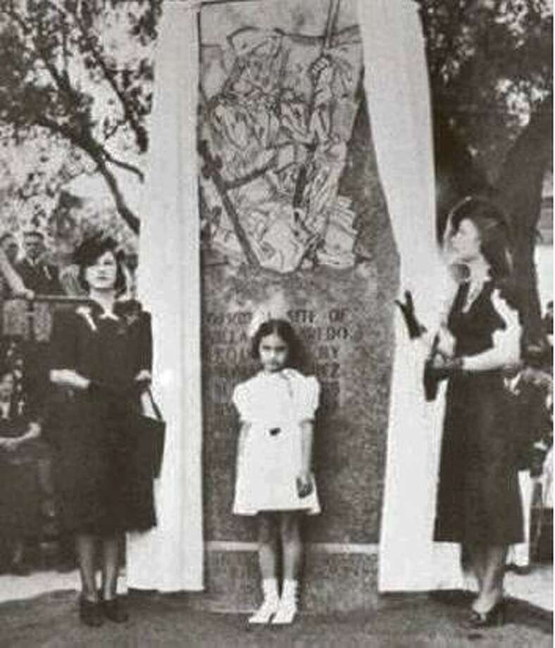 These three descendants of Tomas Sanchez participated in the unveiling in 1936 of a monument dedicated to the founding of Laredo. Photo: Courtesy Photo
