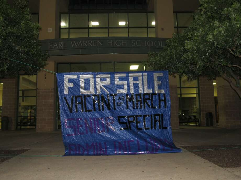 Warren High School is for sale on Craigslist for the reasonable price of $2,020. Photo: Elizabeth Hernandez