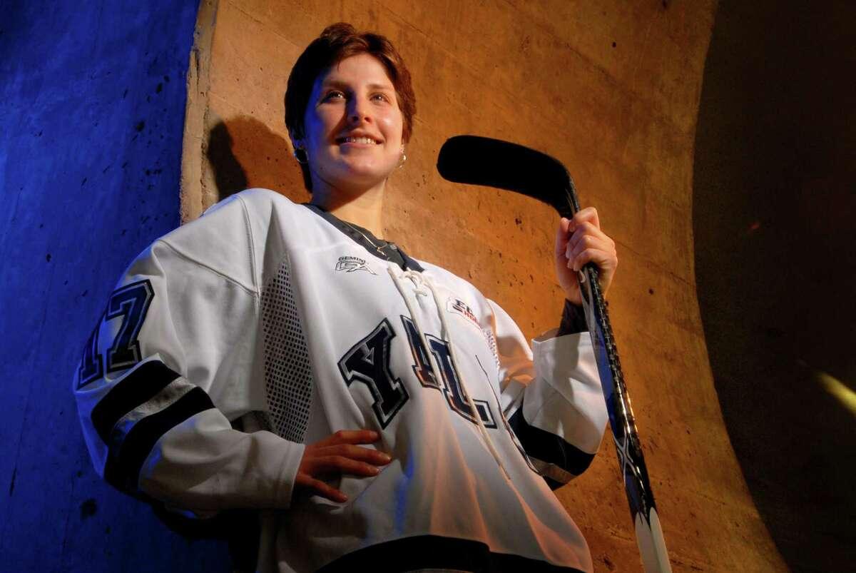 Yale women's hockey player Mandi Schwartz in 2010.