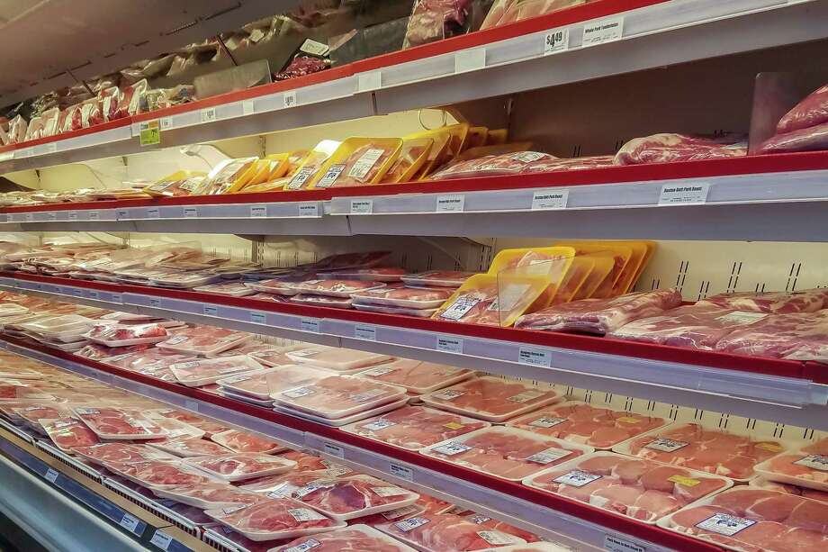 H-E-B has new limits on meat purchases. An customer allegedly became irate over the restrictions and lashed out at a cashier. Photo: Fran Ruchalski, The Enterprise / The Enterprise / © 2020 The Beaumont Enterprise