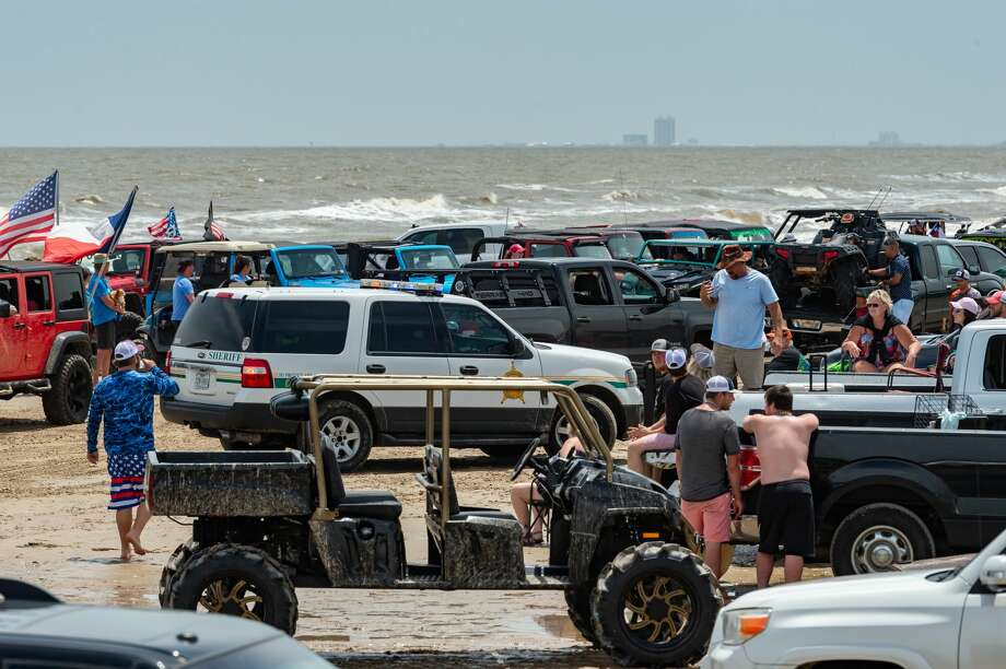 Jeep Weekend started as a small weekend event for Jeep lovers in Crystal Beach but has grown to a large gathering of hundreds of vehicles including Jeeps, UTV's, 4-wheelers and more on the beach. Photo made on May 16, 2020. Fran Ruchalski/The Enterprise Photo: Fran Ruchalski/The Enterprise / © 2020 The Beaumont Enterprise