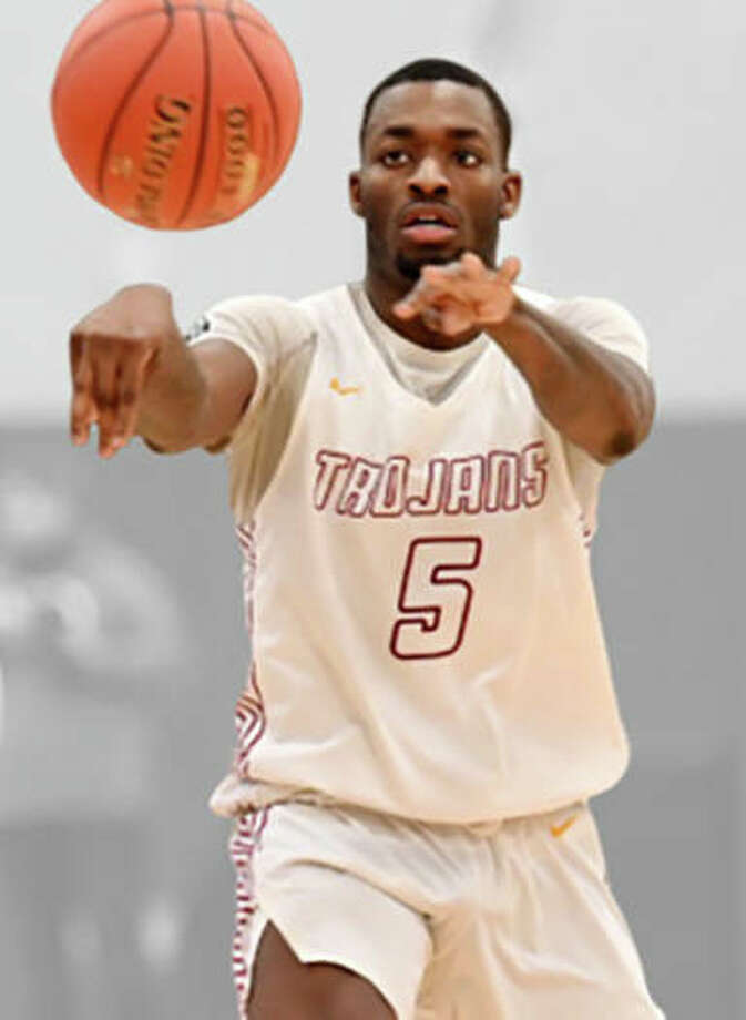 Triton College's Carlos Curtis will play for SIUE next season. The JUCO guard from Milwaukee, Wis., is the fifth player signed by the Cougars since April 15. Photo: SIUE Athletics