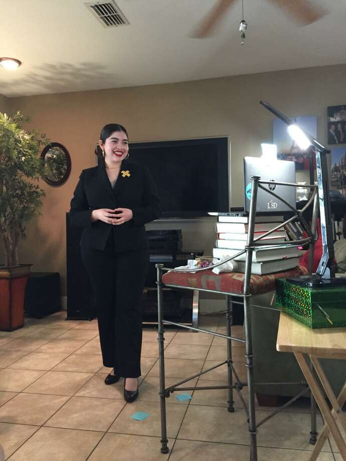 Zoe Álvarez, estudiante de preparatoria de J.W. Nixon High School, obtuvo el segundo lugar en Concurso de Oratoria del Distrito Sur de Texas de Optimist International, el sábado 16 de mayo. La competencia se realizó de forma virtual debido a la emergencia sanitaria. Photo: Foto De Cortesía /Zoe Álvarez