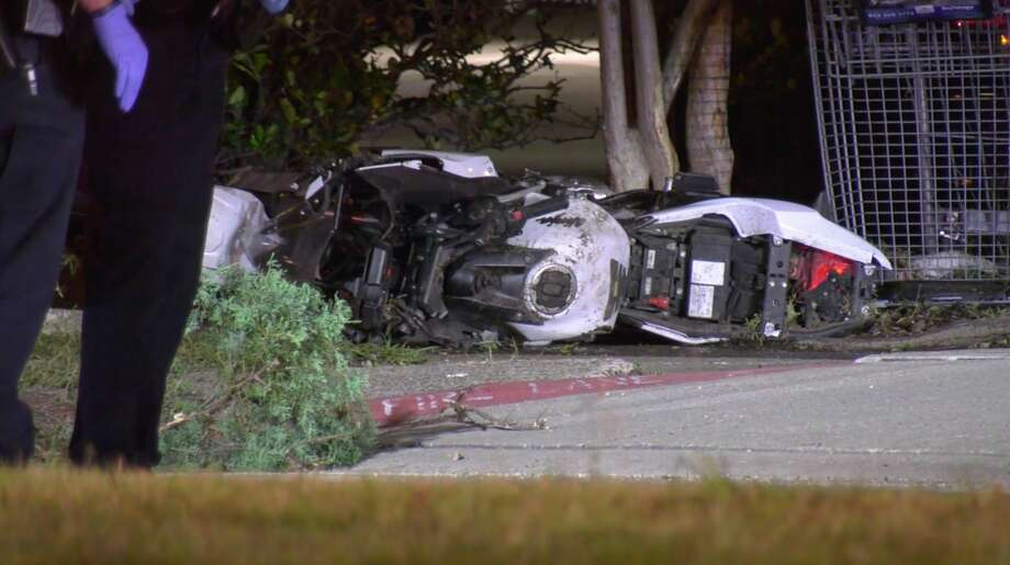 Houston police officers investigate a deadl wreck involving a motorcyclist in the 10700 block of Fuqua Street on Monday, May 18, 2020. Photo: OnScene.TV