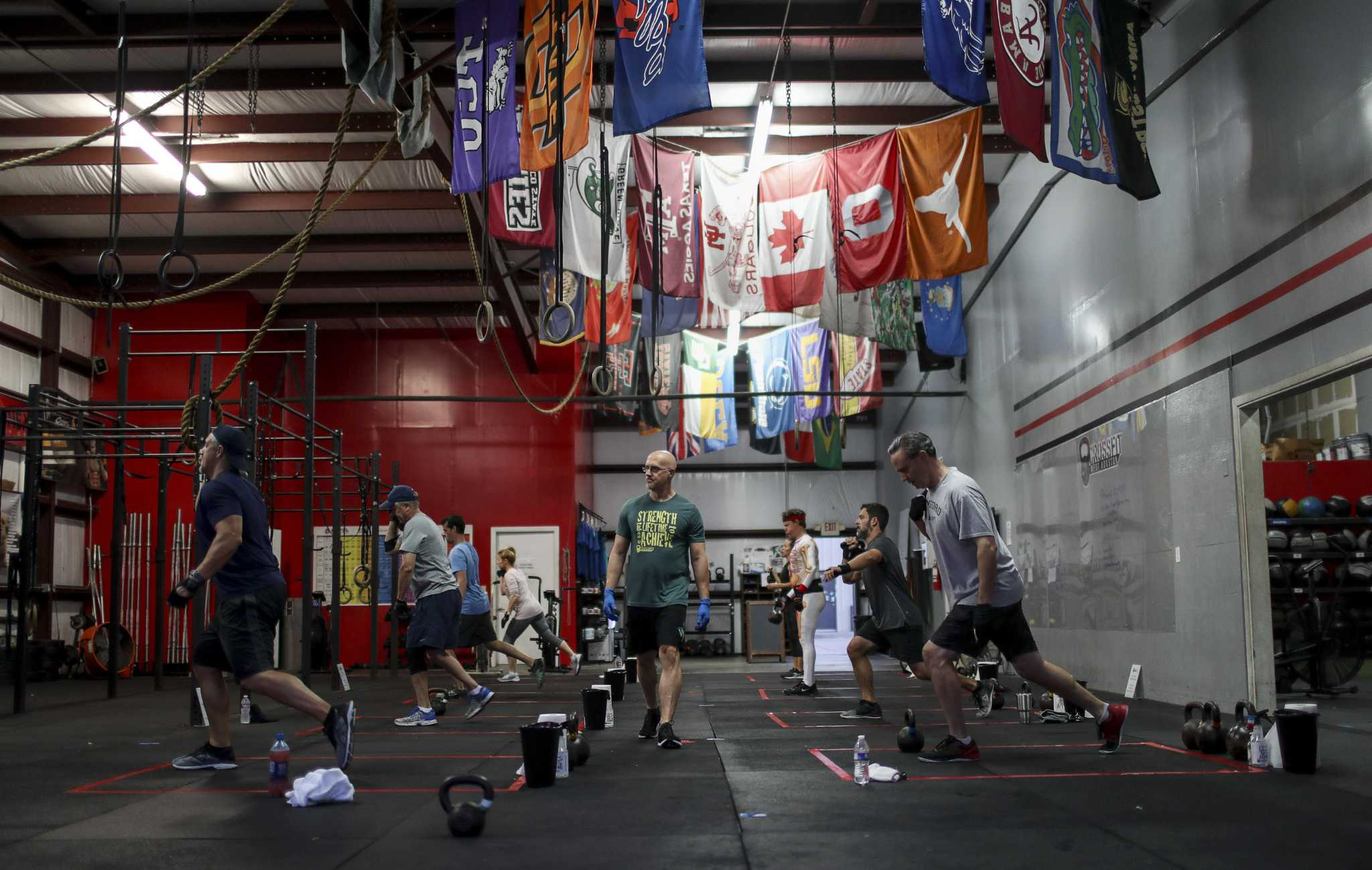 Stay In Your Square Please Houston Gyms Reopen With New Rules Houstonchronicle Com