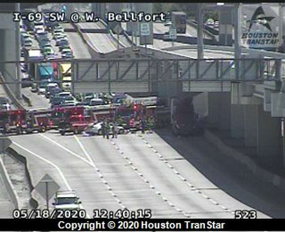 All southbound lanes of U.S. 59 near Beltway 8 are closed for a deadly wreck Monday, May 18, 2020. Photo: Houston TranStar