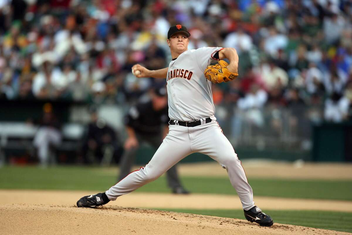 giants22_lm_003.jpg Matt Cain during the bottom of the first inning. Event on May 21, 2006 in Oakland. The San Francisco Giants played the Oakland Athletics at McCafee Coliseum on May 21, 2006. Liz Mangelsdorf / The Chronicle