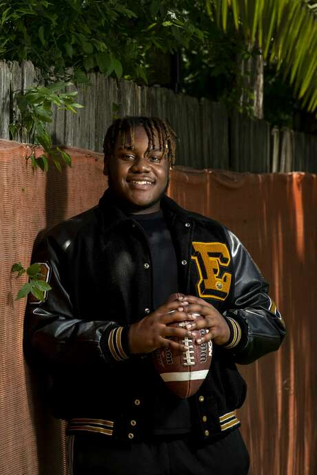 La'Trael Adam hopes that Eisenhower High School's graduation ceremony doesn't get canceled — it's his only chance to say goodbye. Adam has been a three-year varsity starter on his school's football team and plans to keep playing at Louisiana College. Photo: Godofredo A. Vásquez, Staff Photographer / ? 2020 Houston Chronicle