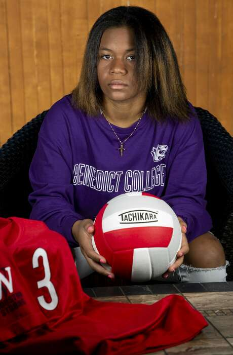 Making the varsity volleyball squad at Cy-Lakes High School in her sophomore year was a dream for Cana Smith, who's headed to South Carolina's Benedict College on a volleyball scholarship. Photo: Godofredo A. Vásquez, Staff Photographer / ? 2020 Houston Chronicle
