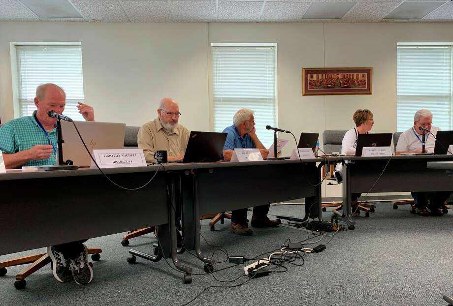 The Osceola County BOC approved a policy to reopen county buildings at its meeting May 5. The policy calls for a phased reopening beginning in June. (Herald Review file photo)