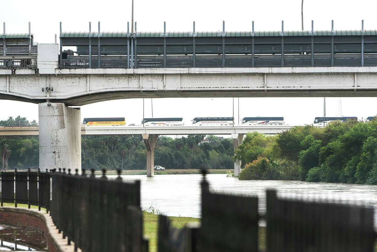 Laredo City Council is petitioning for the federal government to open more lanes at the city's international bridges.
