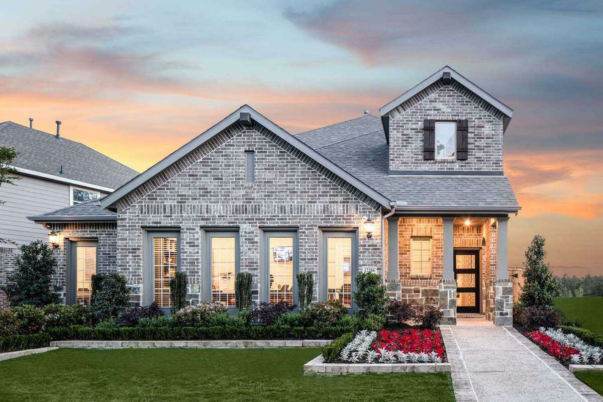 Highland Homes is building homes ranging from 1,566 to 2,600 square feet on 40-foot lots inThe Woodlands Hills.