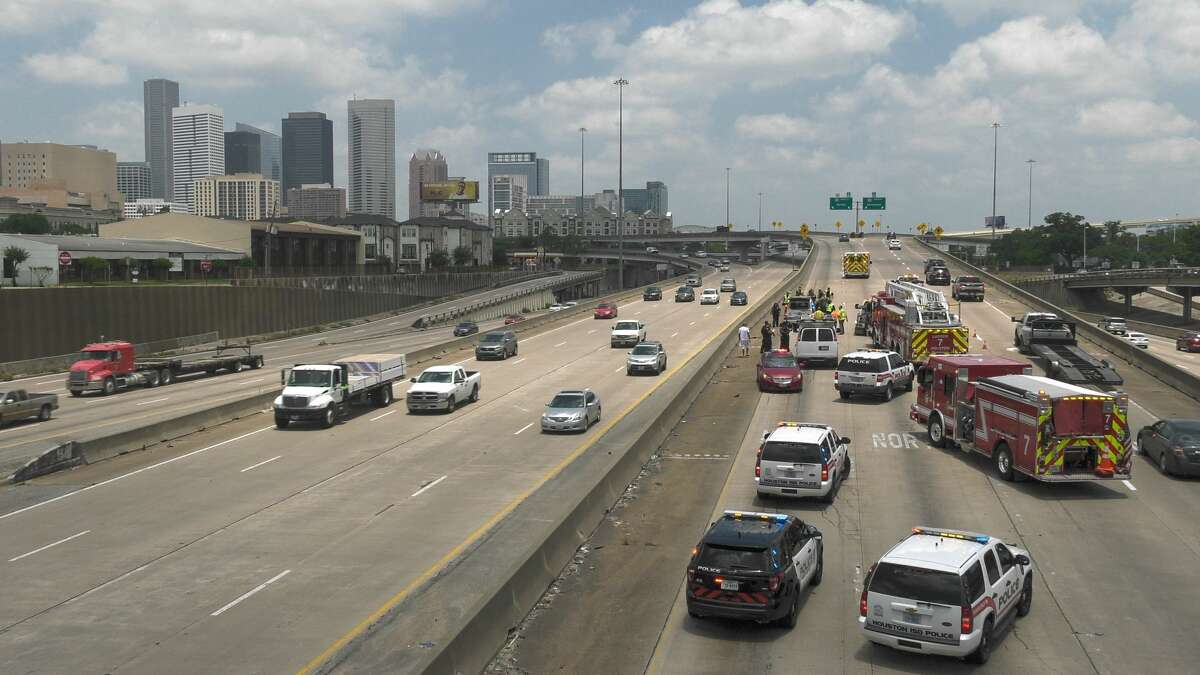 Get in line behind everyone else and wait your turn to zipper merge, Houston.