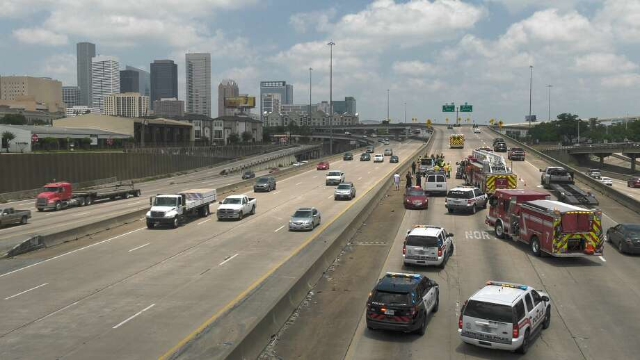 Get in line behind everyone else and wait your turn to zipper merge, Houston. Photo: Jay R. Jordan / Houston Chronicle