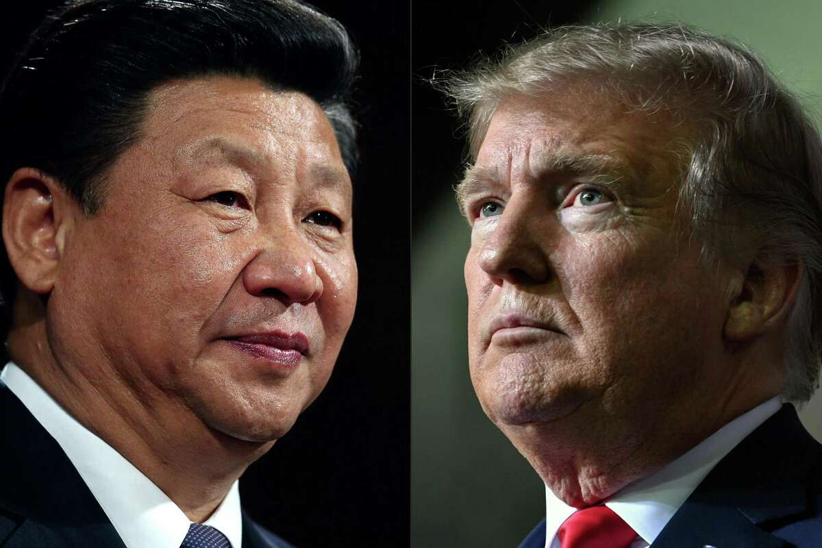 (COMBO) This combination of pictures created on May 14, 2020 shows recent portraits of China's President Xi Jinping (L) and US President Donald Trump. - US President Donald Trump said on May 14, 2020, he is no mood to speak with China's Xi Jinping, warning darkly he might cut off ties with the rival superpower over its handling of the coronavirus pandemic.