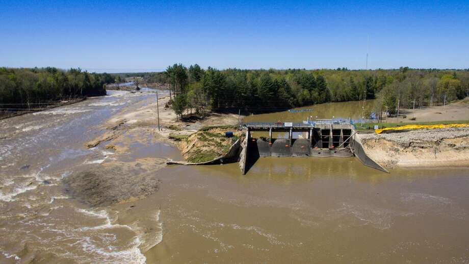 An aerial photo taken Thursday, May 21, 2020 shows the aftermath of record flooding following the breach of the Edenville Dam and failure of the Sanford Dam in Midland County. The Tittabwassee River reached a record 35.05 feet in Midland on Wednesday, May 20. Photo: Adam Ferman/For The Daily News