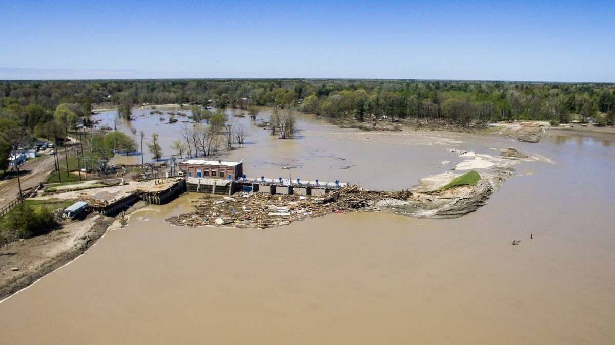 Edenville Dam and Sanford Dam failures, 21 May 2020, photo credit Adam Ferman, Midland Daily News