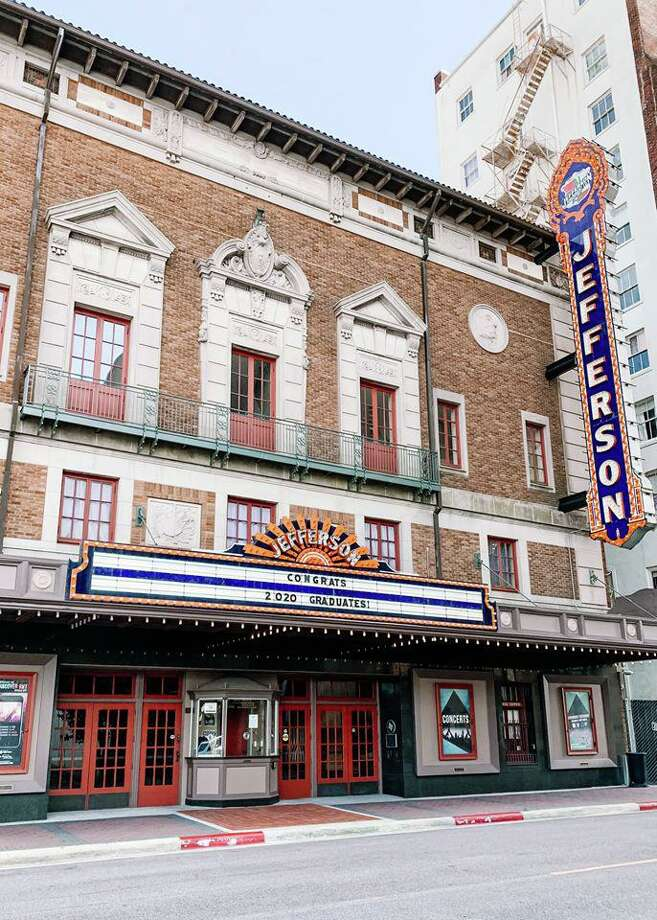 The Historic Jefferson Theater in Downtown Beaumont put up a sign, and invited graduates of the class of 2020 to take pictures. Photo: Isaac Windes / Beaumont Events Facebook Page