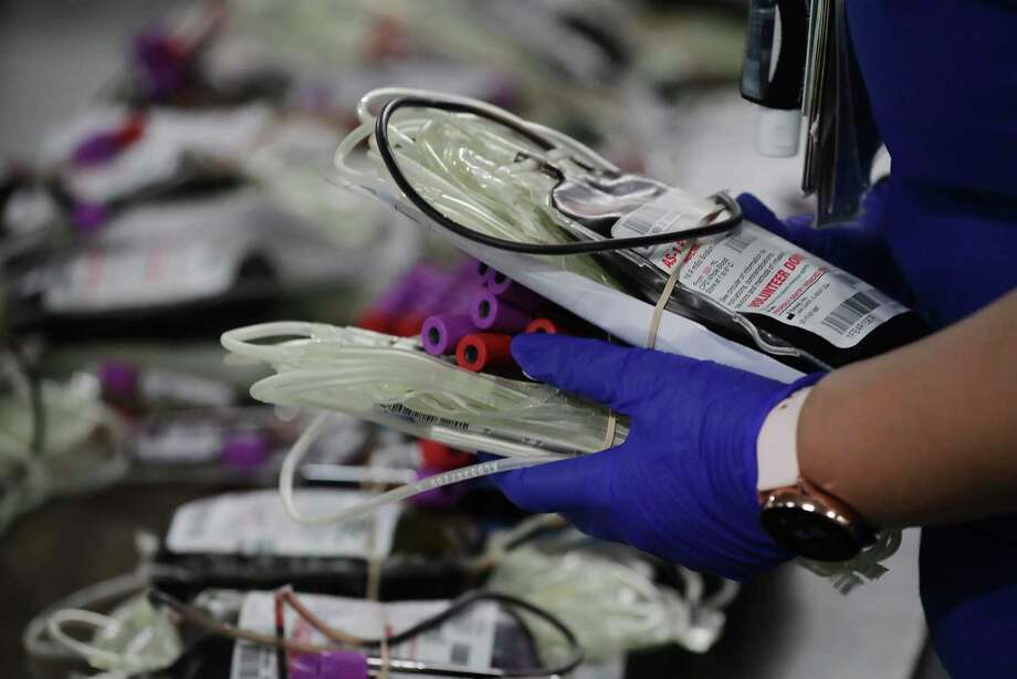 To help promote the demand and need of convalescent plasma, the South Texas Blood and Tissue Center announced in a news conference Monday that it will give donors a $50 gift card moving forward. Photo: Bob Owen /San Antonio Express-News / ©2020 San Antonio Express-News