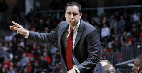 Assistant coach Kellen Sampson of the Houston Cougars reacts against the Cincinnati Bearcats during a game at BB&T Arena on January 31, 2018 in Highland Heights, Kentucky. Cincinnati won 80-70. (Photo by Joe Robbins/Getty Images)