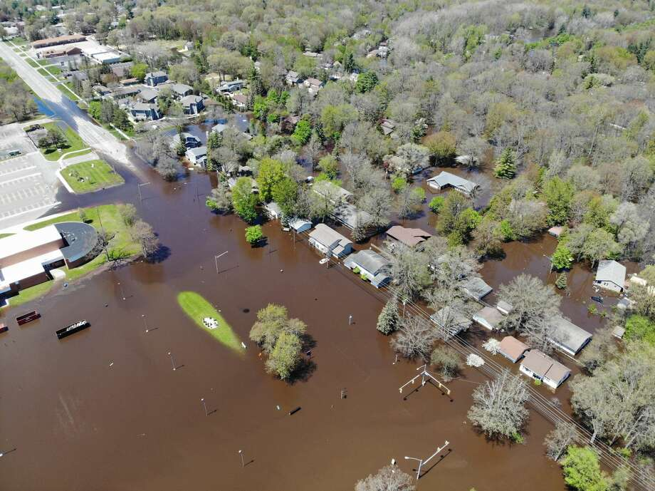 Flooding in Midland is seen from a drone around 2 p.m. Wednesday, May 20, 2020. (Ben Tierney/for the Daily News) Photo: (Ben Tierney/for The Daily News)