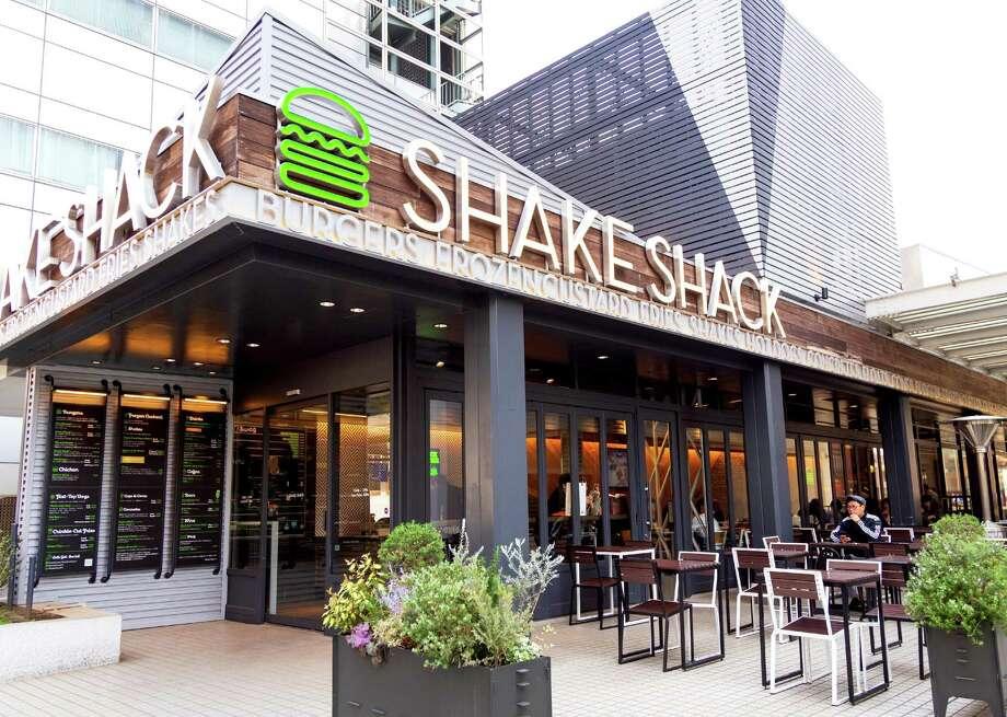 Shake Shack to launch future drive-thrus. Photo: Osugi // Shutterstock