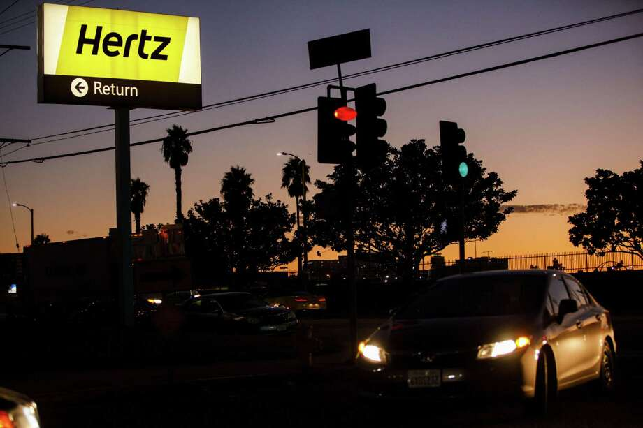 A Hertz rental location at Los Angeles International Airport in Los Angeles on Nov. 7, 2017. Photo: Bloomberg Photo By Patrick T. Fallon. / © 2017 Bloomberg Finance LP