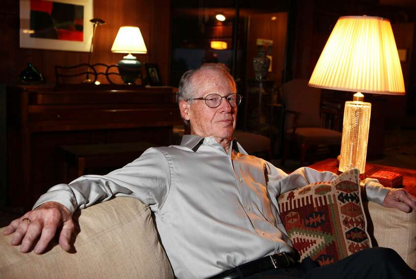 FILE: University of California, Berkeley professor Oliver Williamson poses for a photograph at his home October 12, 2009 in Berkeley, California. American Oliver Williamson shared the Nobel Prize in economics with Indiana University professor Elinor Ostrom for their analysis of economic governance. (Photo by Justin Sullivan/Getty Images)