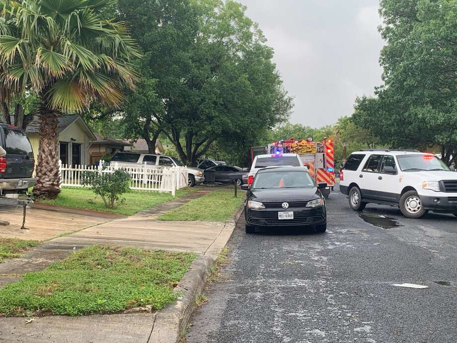San Antonio firefighters say one man is dead following a house fire on the Northeast Side Monday morning, May 25, 2020. Photo: Taylor Pettaway