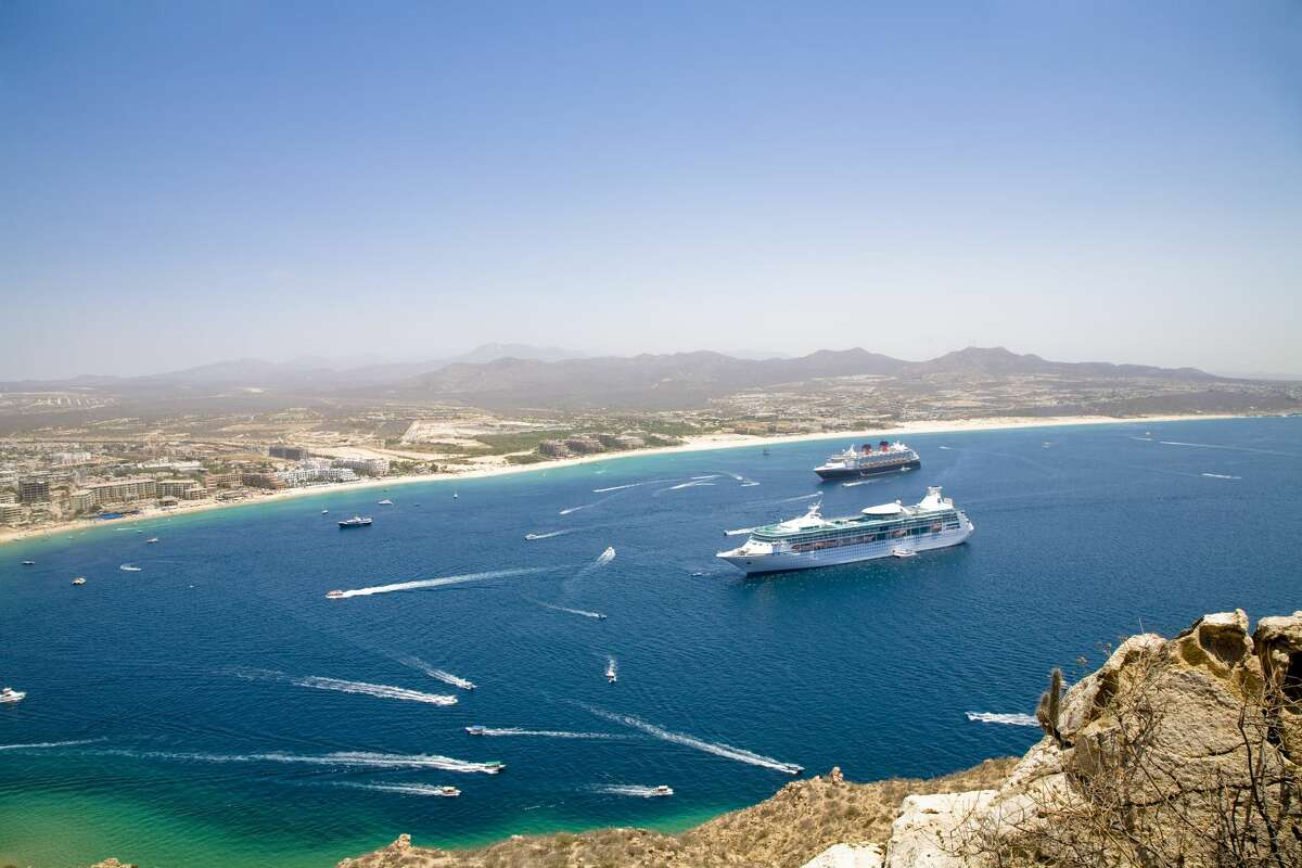 Cruise ships and boats in bay of Cabo San Lucas.