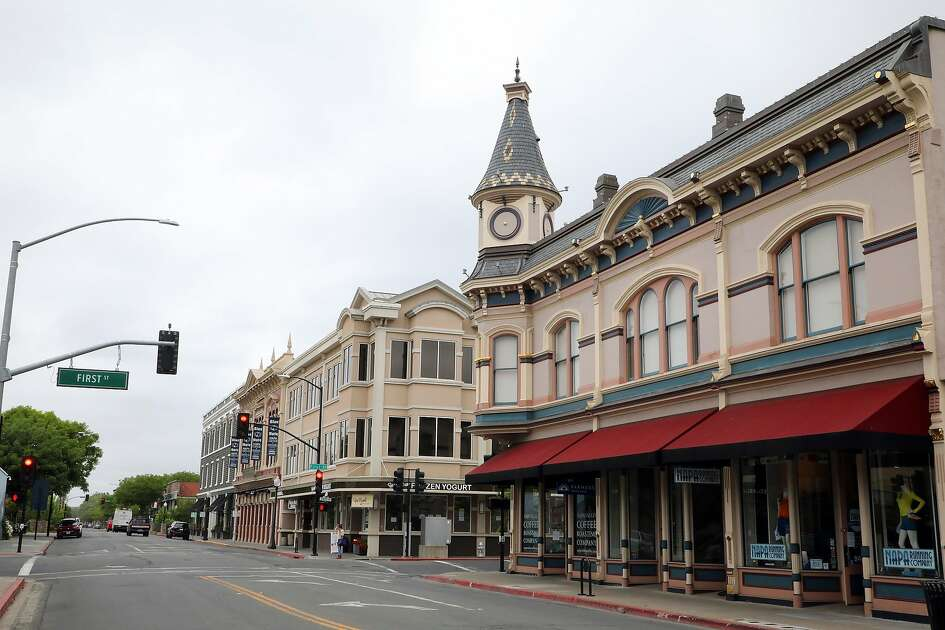 Main Street in Napa, Calif., May 13, 2020. California�s strengths � as a hub for commerce, tourism and education in the Pacific Rim � have become liabilities in the pandemic. (Jim Wilson/The New York Times)