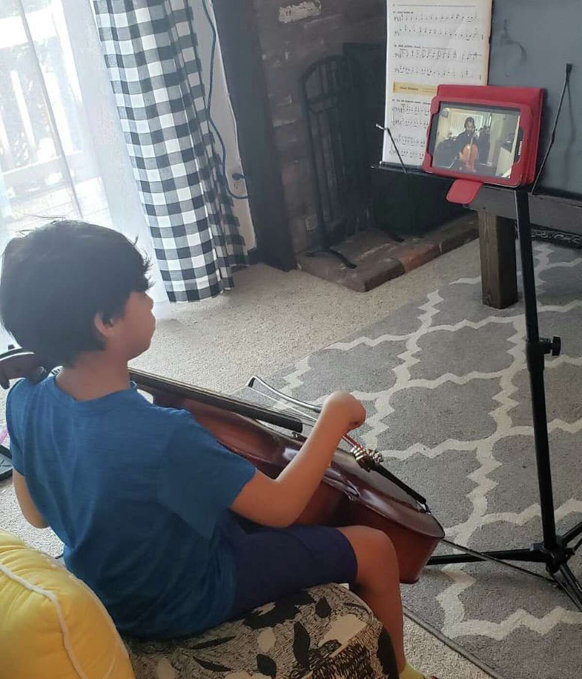 Eduardo (on cello) receiving an online music class from INTEMPO's teaching artist, Colin Benn. They are practicing the Brazilian repertoire for the upcoming online Cultural Crossover Concert on Saturday May 30 at 7 p.m. via Facebook and YouTube Live. INTEMPO's mission is to make intercultural music education and literacy relevant, accessible, and inclusive. It's students come from 4 different towns and 34 different schools in Fairfield County. To learn more, visit: www.intempo.org.