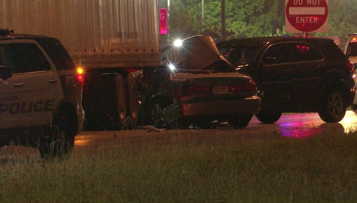 Houston police investigate a deadly wreck along North Loop East on Tuesday, May 26, 2020.
