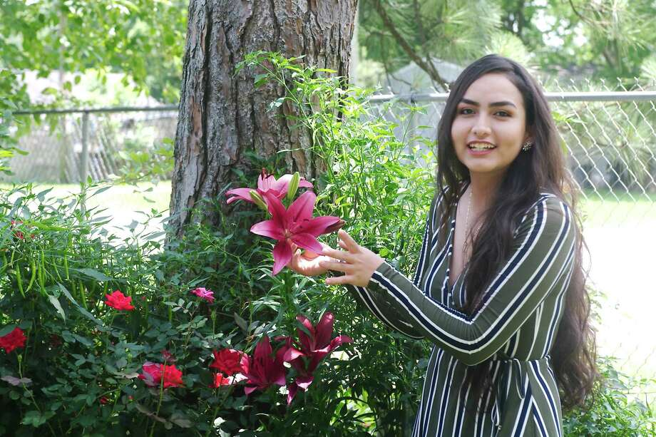 Dickinson High School graduating senior and future agronomist Cintia Alvarado Velazco says a program offered at her school helped her plan for the future. Photo: Kirk Sides / Staff Photographer / © 2020 Kirk Sides / Houston Chronicle