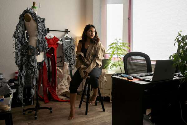 Bay Area S Fashion Design Students Nip And Tuck Their Collections From Home Sfchronicle Com