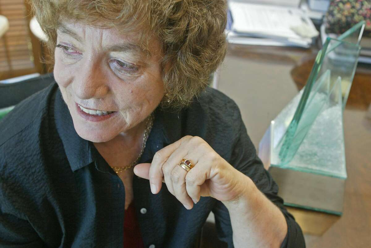 babcock_046_el.JPG Photographed in her office with the 1999 Maragret Brent Women Lawyers Achievement Award. Barbara Babcock is retiring from her job as a Stanford Law professor after more than 30 years. She blazed a trail for women interested in careers in law, when she became Stanford's first tenured female professor. Now she's retiring and plans to write a book about her experience and women in the legal profession. Event on 7/28/04 in Stanford. Eric Luse / The Chronicle
