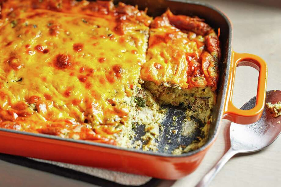 Sausage and Spinach Breakfast Strata. Photo: Photo By Tom McCorkle For The Washington Post. / For The Washington Post