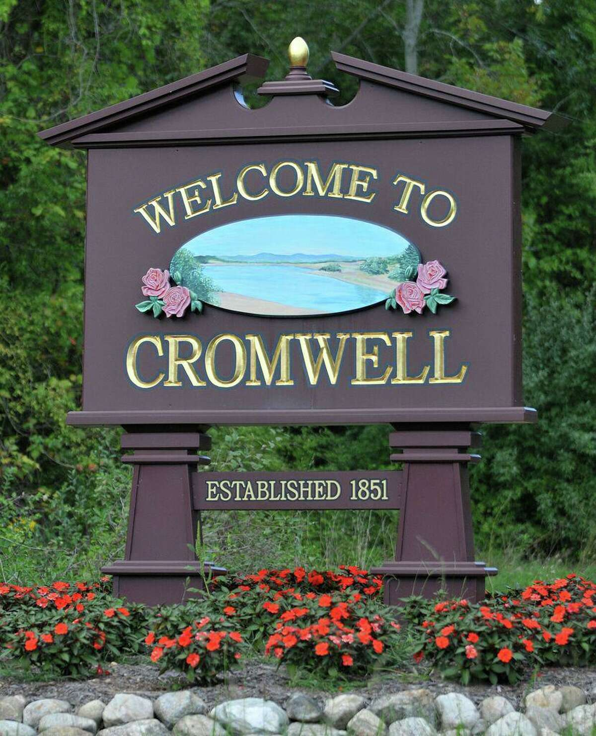 Cromwell Town Sign.